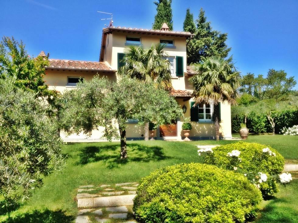 Villa in Vendita a Cortona Semicentro: 5 locali, 230 mq