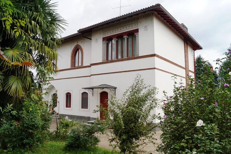 Villa in vendita a Ispra, 5 locali, prezzo € 465.000 | CambioCasa.it