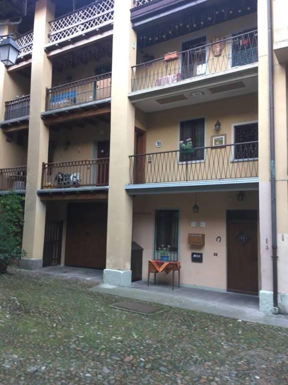 Appartamento in buone condizioni in vendita Rif. 8423224