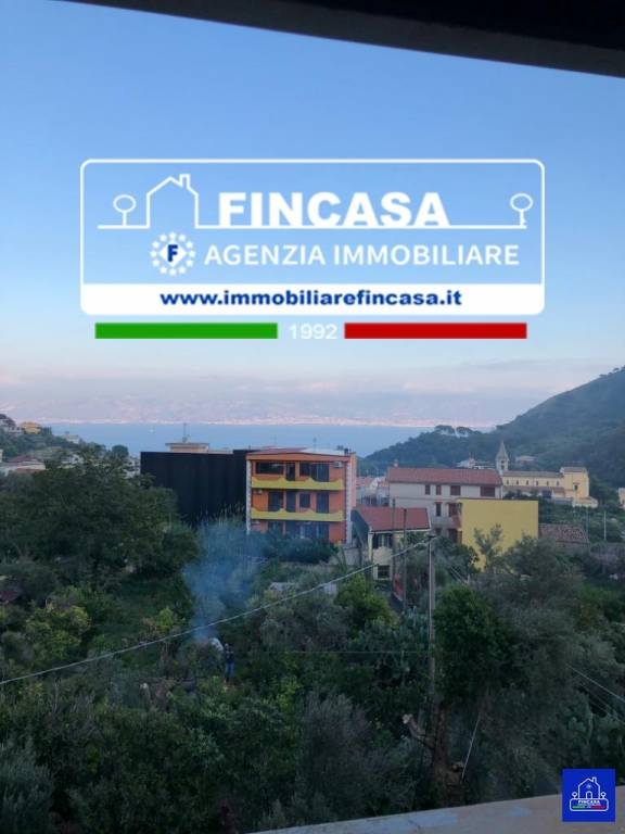 Palazzo in Vendita a Messina Periferia: 5 locali, 256 mq