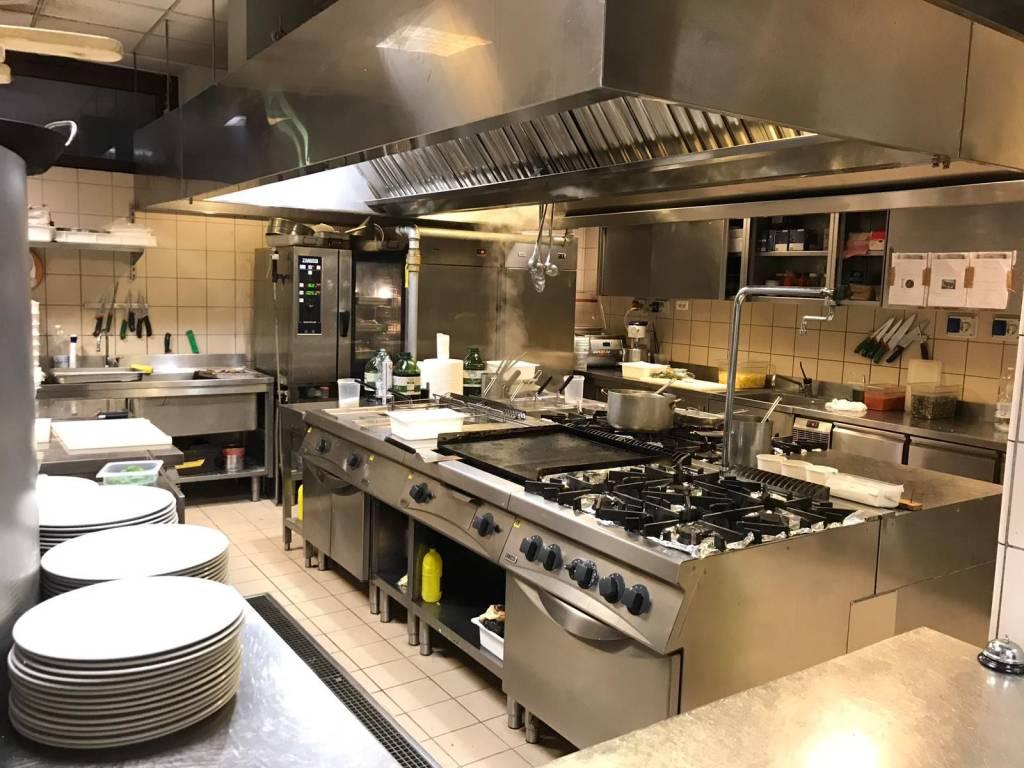 Ristorante / Pizzeria / Trattoria in vendita a Curno, 6 locali, prezzo € 600.000 | PortaleAgenzieImmobiliari.it