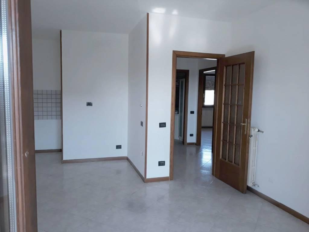 Appartamento in vendita a Montichiari, 4 locali, prezzo € 132.000 | PortaleAgenzieImmobiliari.it