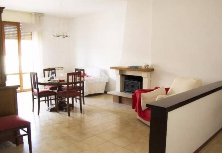Appartamento in ottime condizioni in vendita Rif. 7989619
