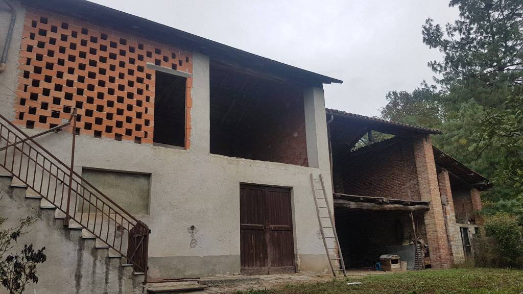 Rustico / Casale in vendita a Ceva, 9999 locali, prezzo € 50.000   PortaleAgenzieImmobiliari.it