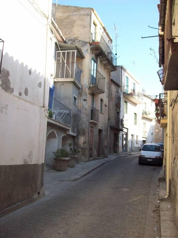 Appartamento in vendita a Gioiosa Ionica, 3 locali, prezzo € 60.000   CambioCasa.it