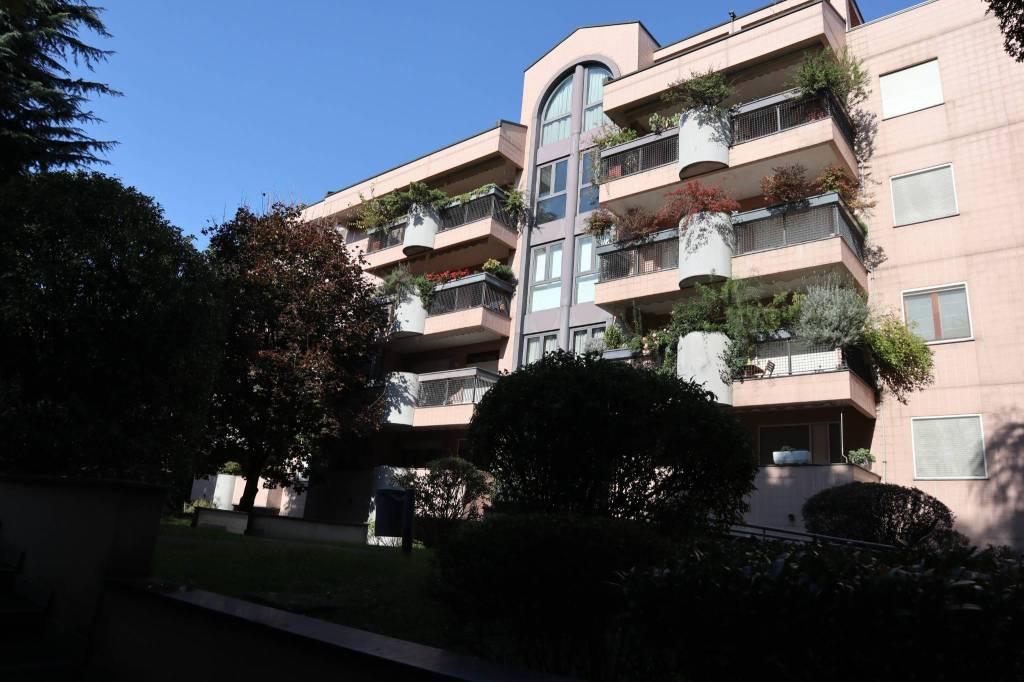 Appartamento in Affitto a Segrate: 3 locali, 120 mq
