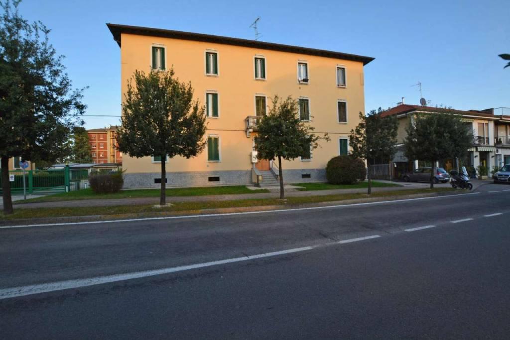 Appartamento in vendita a Biassono, 2 locali, prezzo € 74.000 | CambioCasa.it