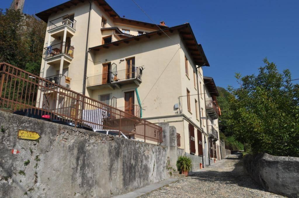 Appartamento in buone condizioni in affitto Rif. 8924702