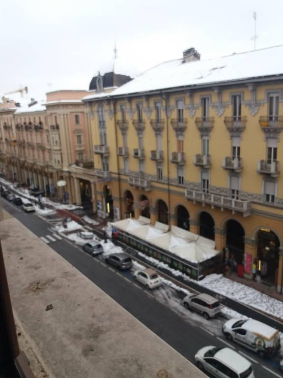 Foto 1 di Quadrilocale corso Nizza 20, Cuneo