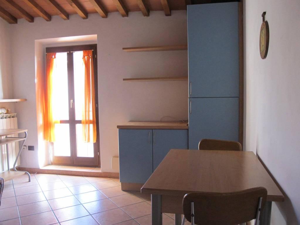 Appartamento in Vendita a Pistoia Semicentro: 2 locali, 45 mq
