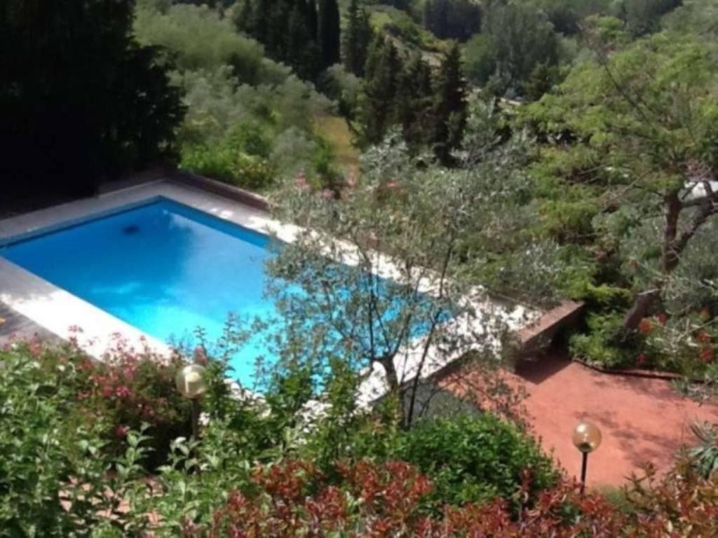 Villa in affitto a Bagno a Ripoli, 7 locali, prezzo € 6.500 | CambioCasa.it
