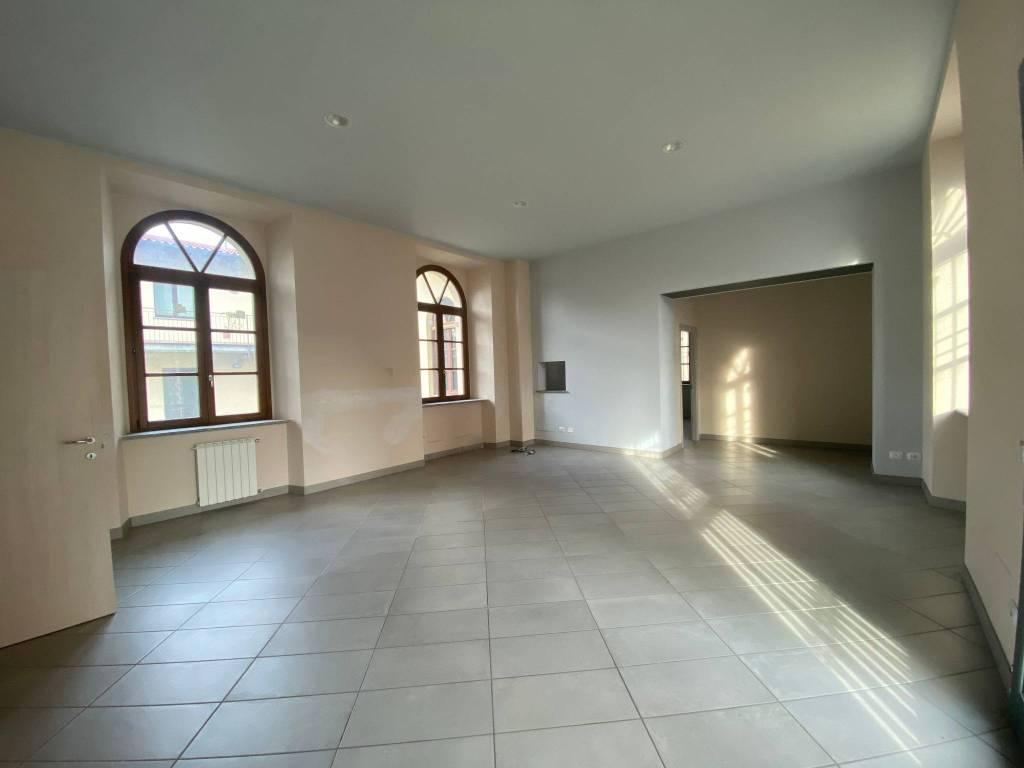 Negozio / Locale in affitto a Fontaneto d'Agogna, 3 locali, prezzo € 900 | PortaleAgenzieImmobiliari.it