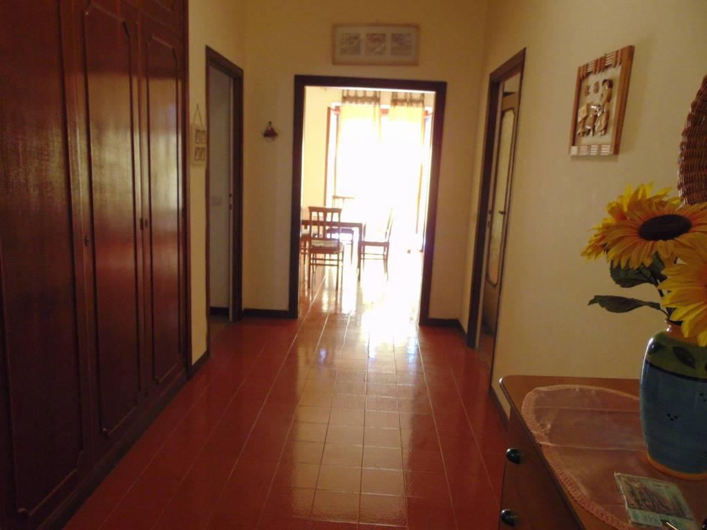 Appartamento in vendita a Ladispoli, 5 locali, prezzo € 250.000 | PortaleAgenzieImmobiliari.it