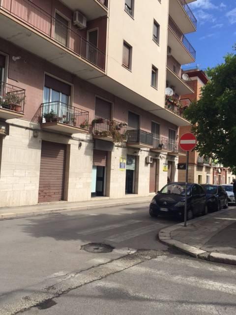 Negozio-locale in Vendita a Foggia Centro: 2 locali, 40 mq