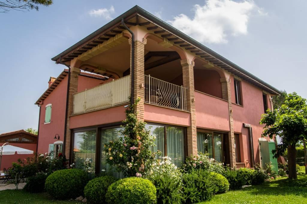 Appartamento in villa di 3 camere da letto e grande terrazzo