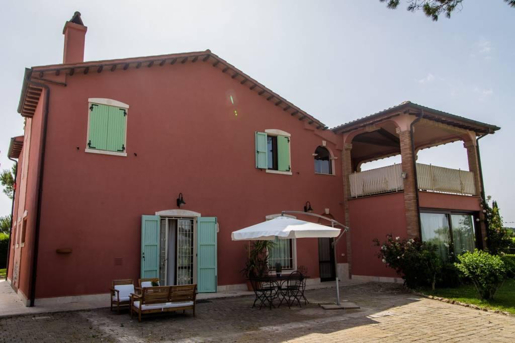Appartamento in ottime condizioni arredato in affitto Rif. 7900230