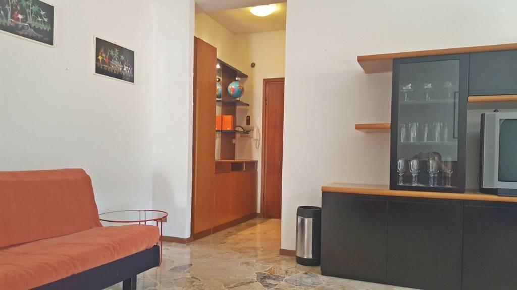 Appartamento in vendita a Canzo, 2 locali, prezzo € 73.000 | PortaleAgenzieImmobiliari.it