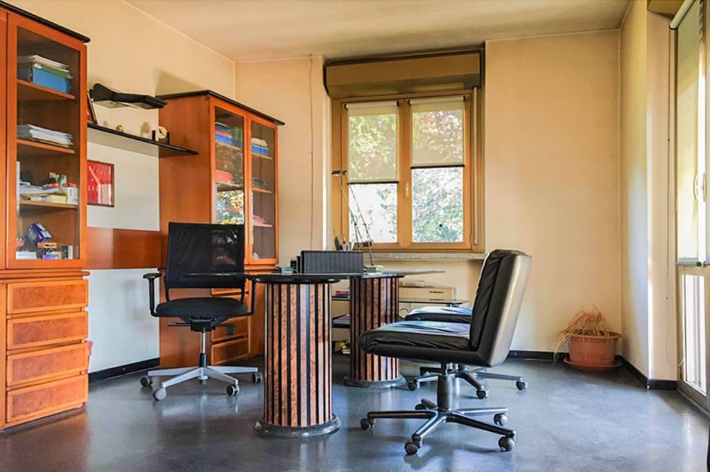 Ufficio / Studio in affitto a Castiglione Olona, 4 locali, prezzo € 1.200 | CambioCasa.it