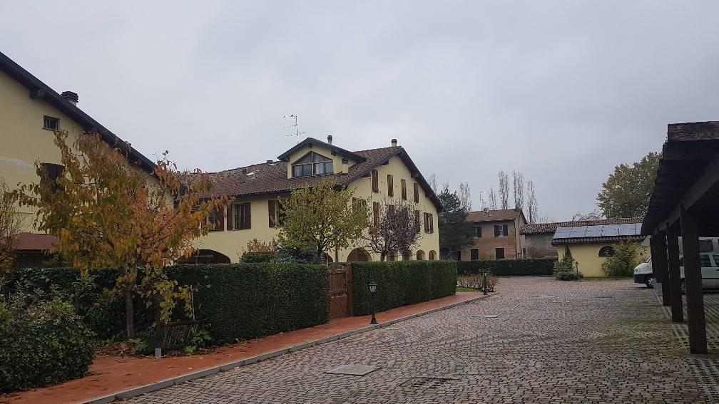 Appartamento in Vendita a San Giovanni In Persiceto Periferia: 3 locali, 95 mq