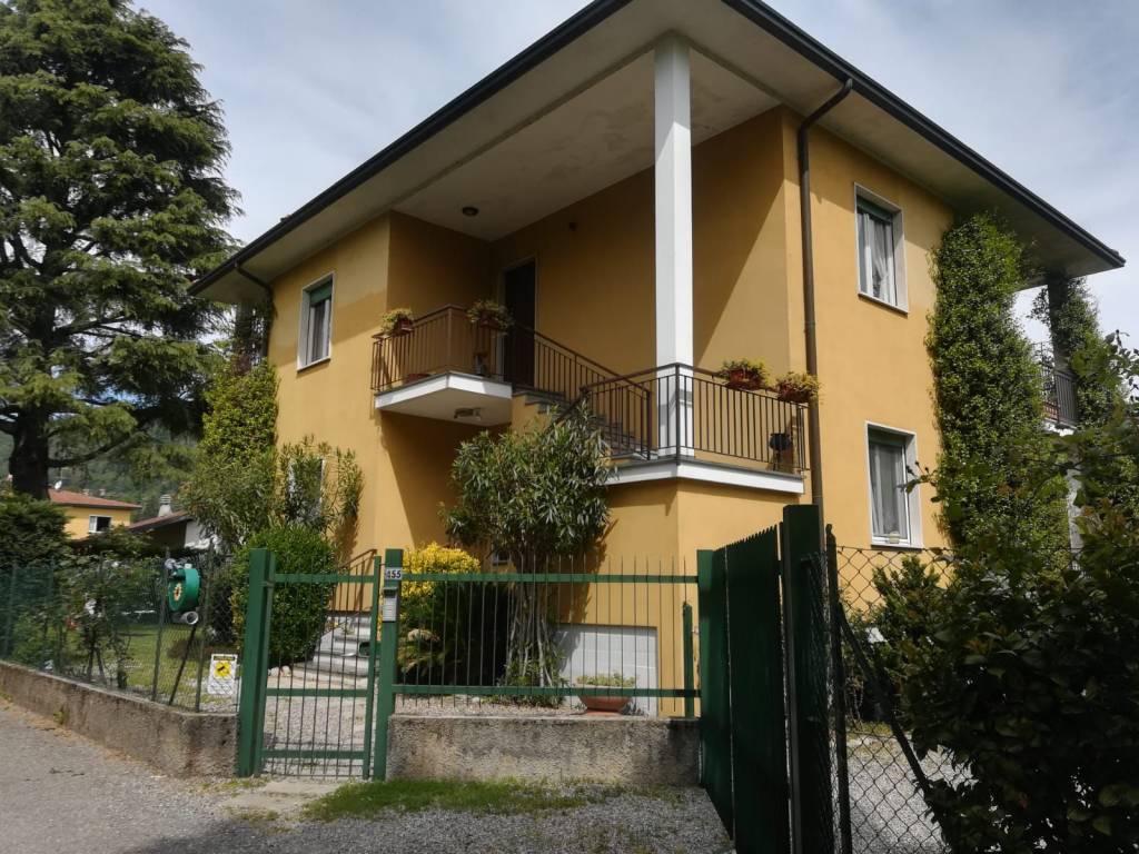 Villa in Vendita a Comabbio