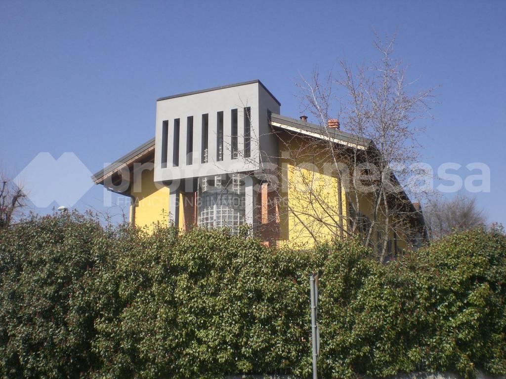 Villa a Schiera in Vendita a Marnate