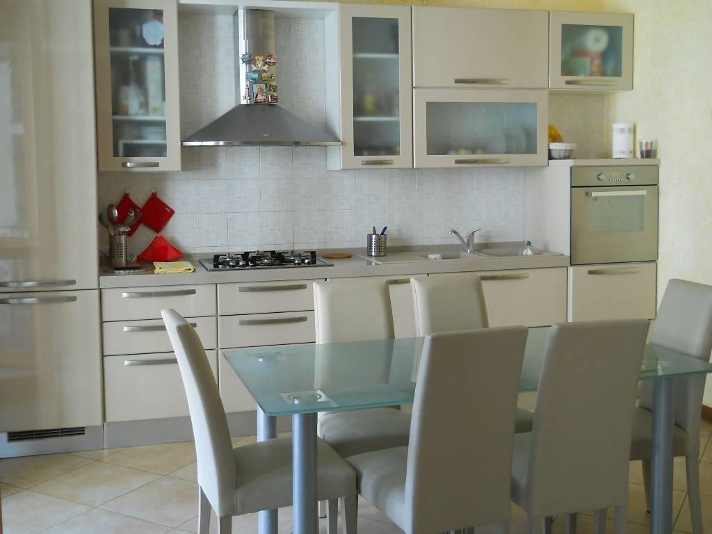 Appartamento in vendita a Saronno, 2 locali, prezzo € 170.000 | PortaleAgenzieImmobiliari.it