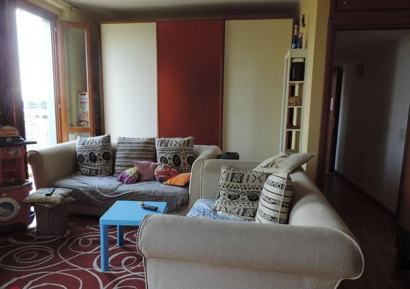 Appartamento in vendita a Rovato, 3 locali, prezzo € 125.000 | CambioCasa.it