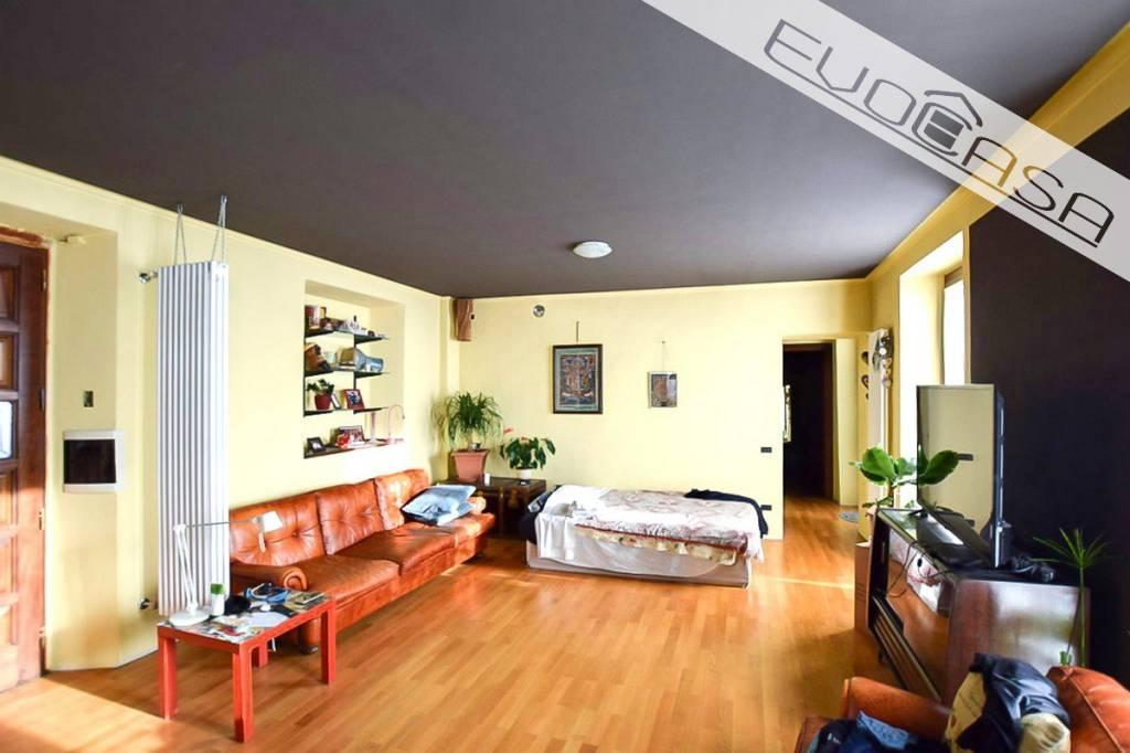 Stabile / Palazzo in buone condizioni in vendita Rif. 9177835
