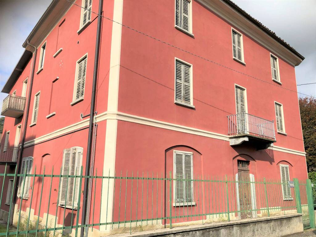 Appartamento in vendita a Longone al Segrino, 3 locali, prezzo € 60.000 | PortaleAgenzieImmobiliari.it