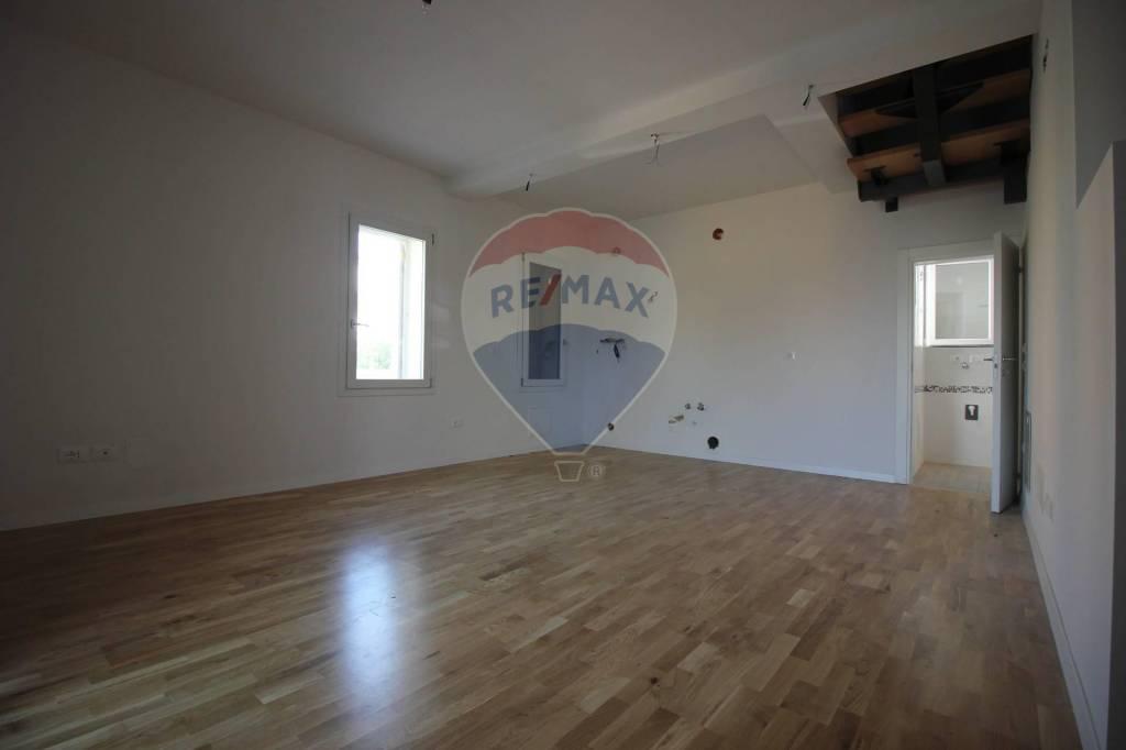 Appartamento in vendita a Vicenza, 3 locali, prezzo € 165.000 | CambioCasa.it