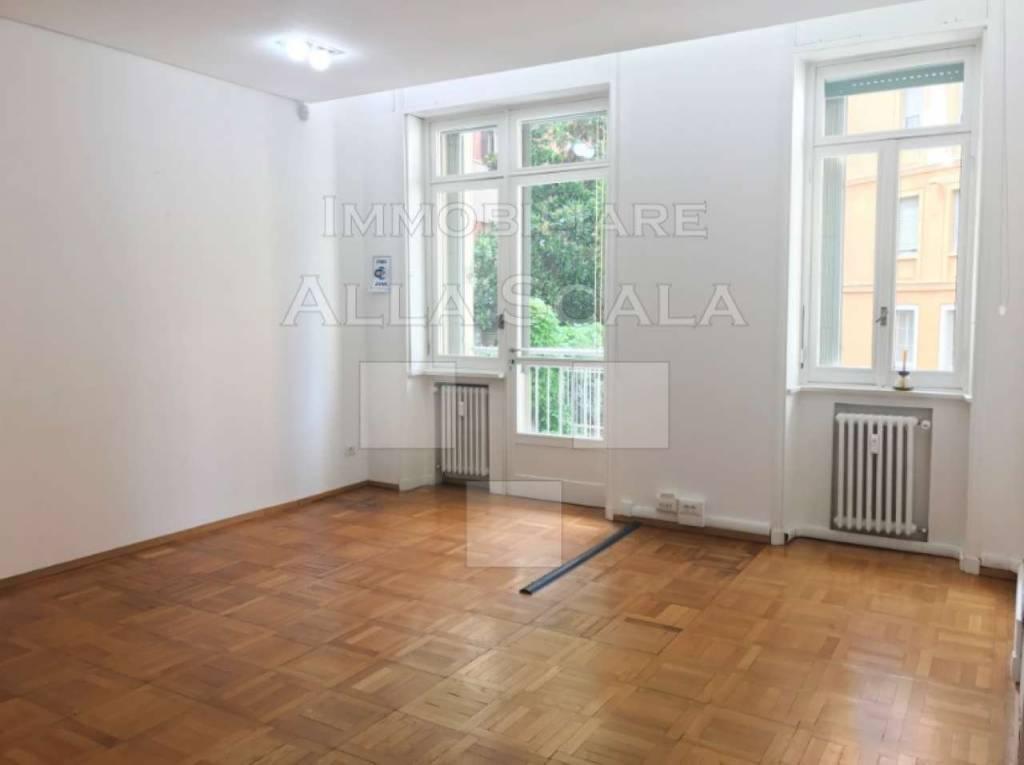 Ufficio-studio in Affitto a Milano 01 Centro storico (Cerchia dei Navigli): 5 locali, 150 mq
