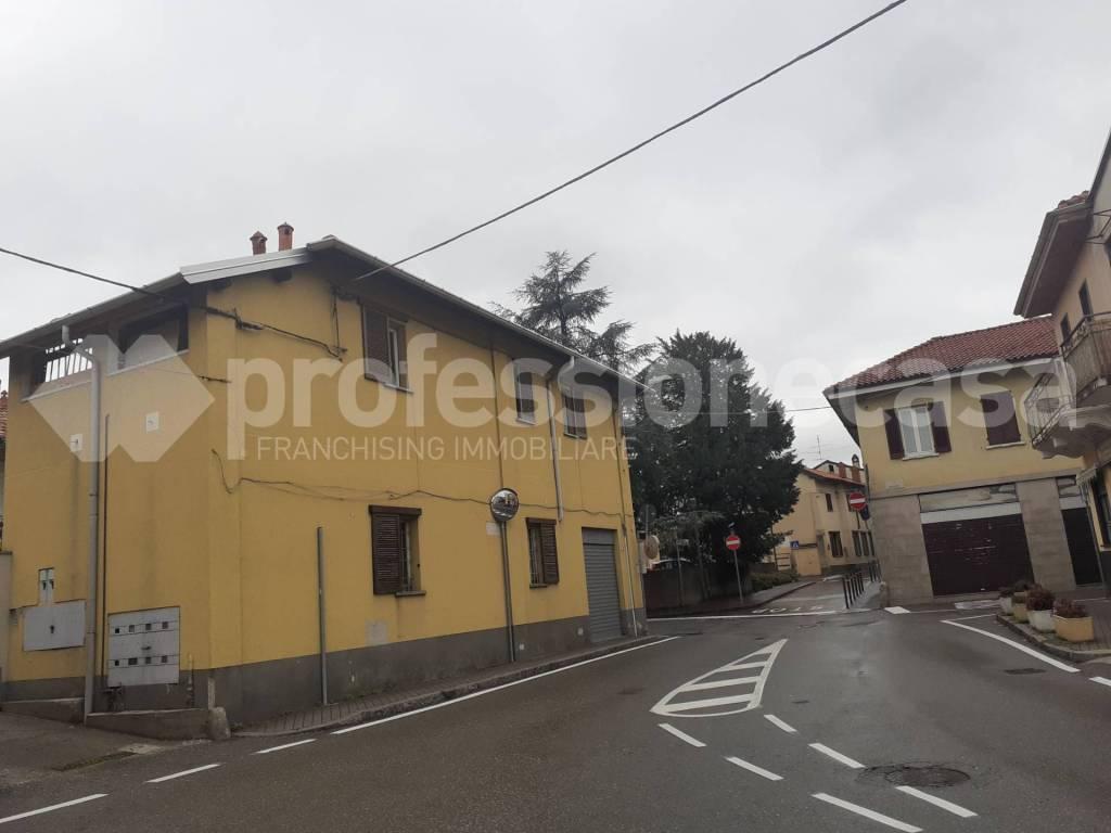 Appartamento in vendita a Solbiate Olona, 3 locali, prezzo € 79.000 | CambioCasa.it