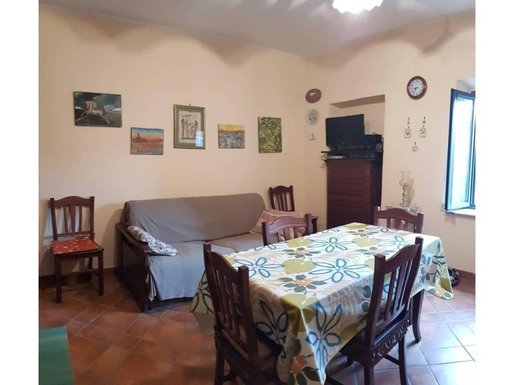 Appartamento in vendita a Manziana, 3 locali, prezzo € 89.000 | CambioCasa.it