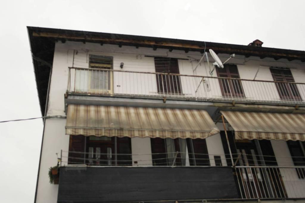 Appartamento in vendita a Besozzo, 3 locali, prezzo € 49.000 | CambioCasa.it
