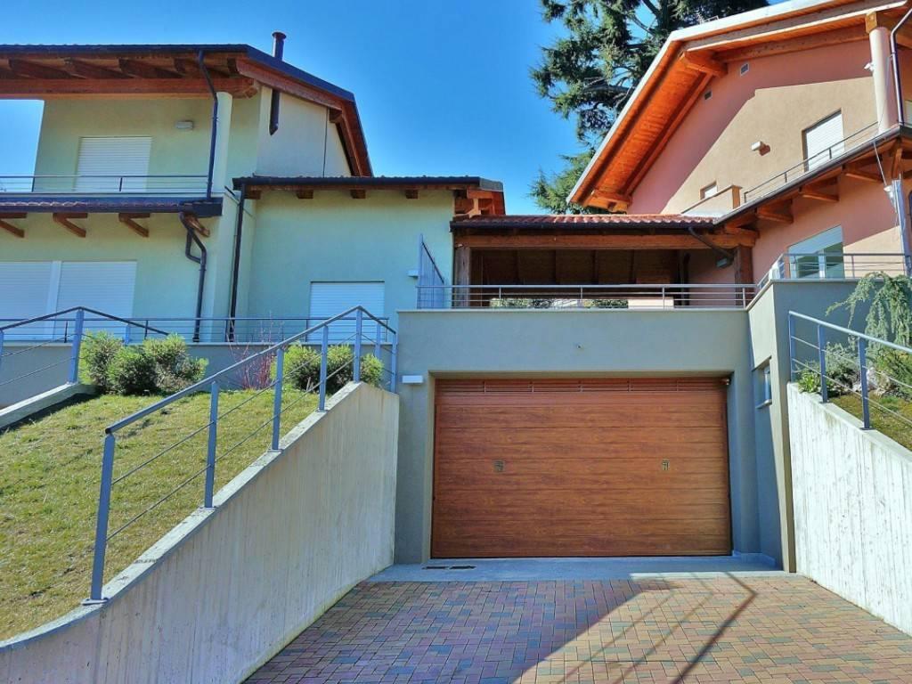Villa in vendita a Pino Torinese, 6 locali, prezzo € 440.000 | CambioCasa.it