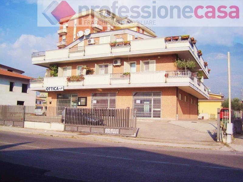 Negozio / Locale in affitto a Piedimonte San Germano, 1 locali, prezzo € 800 | CambioCasa.it