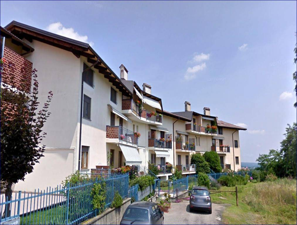 Appartamento in ottime condizioni in vendita Rif. 6760376