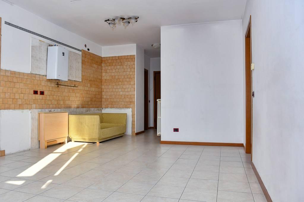 Appartamento in affitto a Bollate, 2 locali, prezzo € 700   PortaleAgenzieImmobiliari.it