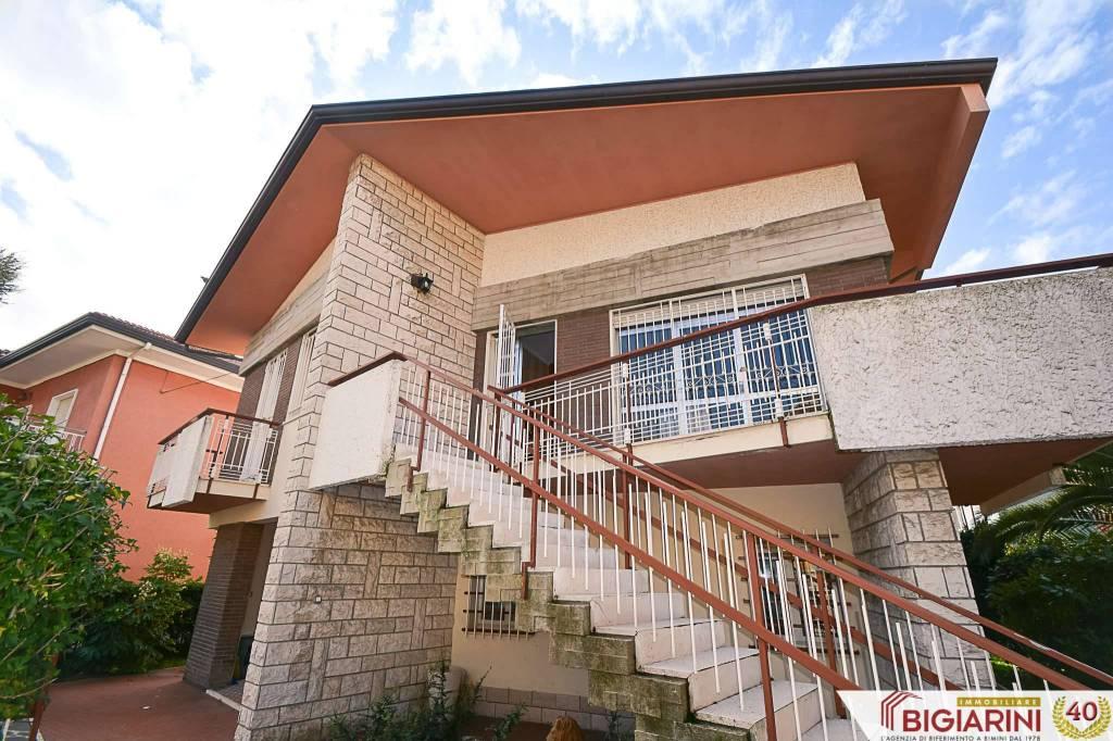 Soluzione Indipendente in vendita a Rimini, 7 locali, prezzo € 495.000 | CambioCasa.it