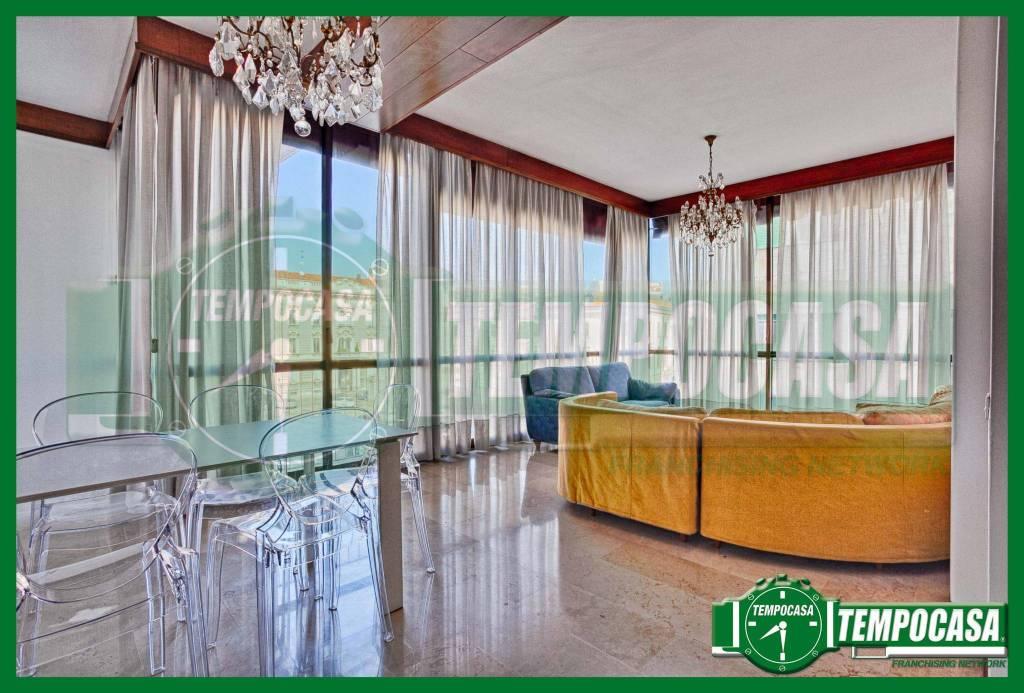 Appartamento in buone condizioni arredato in affitto Rif. 8410785
