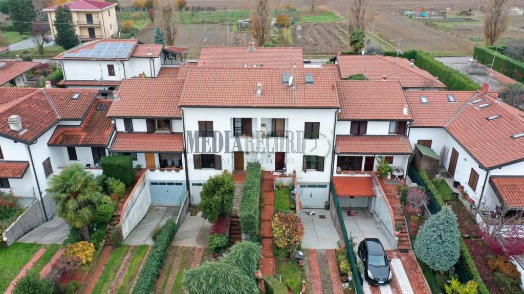Villa a Schiera in vendita a Lomazzo, 4 locali, prezzo € 246.000 | PortaleAgenzieImmobiliari.it