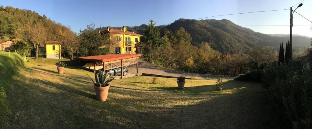 Villa in vendita a Beverino, 20 locali, prezzo € 340.000 | PortaleAgenzieImmobiliari.it