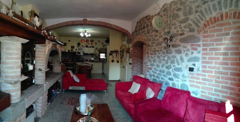 Appartamento in vendita a Fivizzano, 4 locali, prezzo € 112.000 | PortaleAgenzieImmobiliari.it