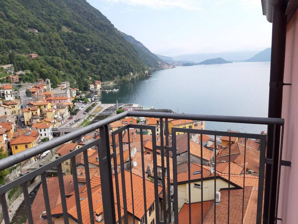 Appartamento in vendita a Como, 2 locali, zona Zona: 9 . Monte Olimpino - Sagnino - Tavernola, prezzo € 240.000 | CambioCasa.it