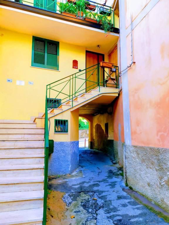 Appartamento in buone condizioni in vendita Rif. 9258349