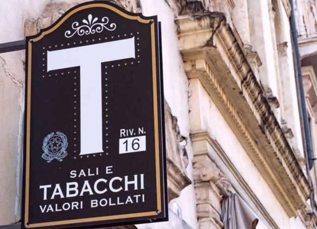 Tabacchi / Ricevitoria in vendita a Borgo Ticino, 3 locali, Trattative riservate | CambioCasa.it