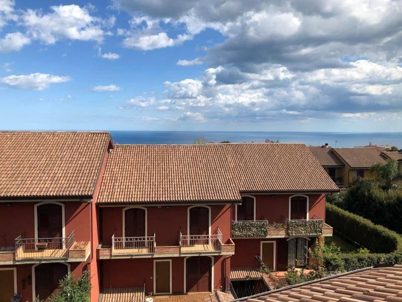 Villetta in Vendita a San Gregorio Di Catania Periferia: 5 locali, 240 mq