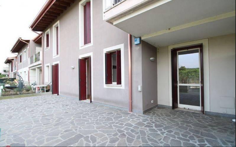 Appartamento in vendita a Erbusco, 4 locali, prezzo € 210.000 | CambioCasa.it