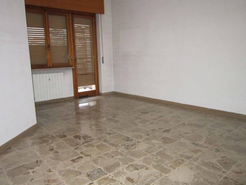 Appartamento in vendita a Acqui Terme, 3 locali, prezzo € 52.000 | PortaleAgenzieImmobiliari.it