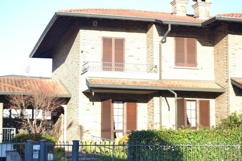 Villa a Schiera in Vendita a Cabiate